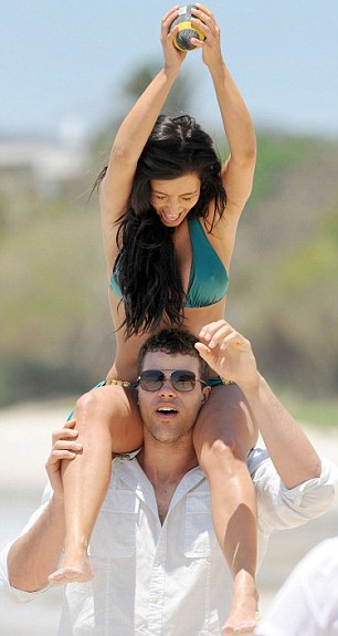 Kim Kardashian Bikini Heats Up The Sea in Mexico With Kris Humphries