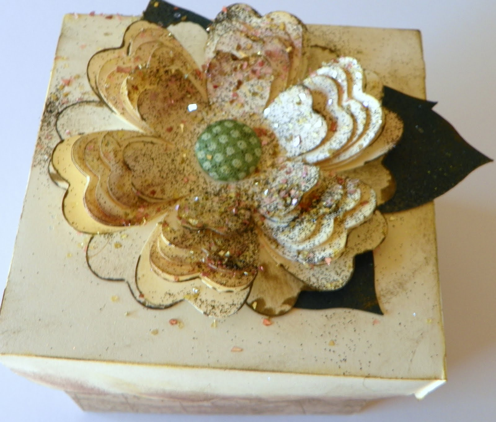 Gail@CornvilleCountryCrafts: SWEET TOOTH BOXES AND FLOWER