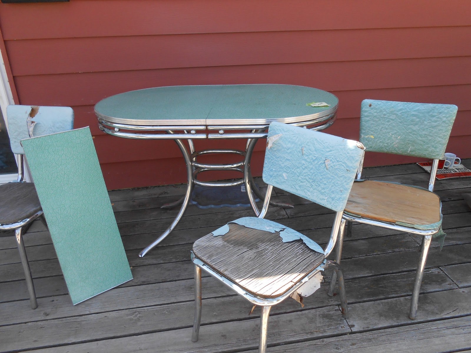 This Is A Mid 1950u0027s Table And Chairs. Similar To But Not Exactly Like One  My Grandma Had. The Top Is A Variation Of The Cracked Ice Laminate And  Chrome, ...