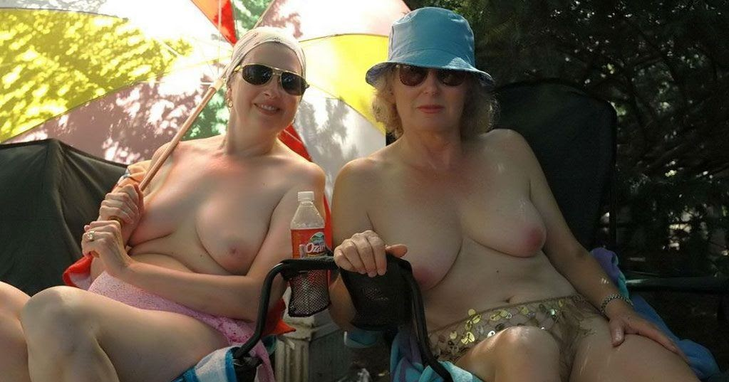 nudist women photo of the day 04 05 11   good naked