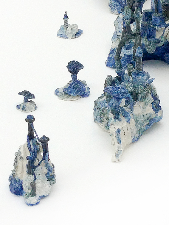 http://inspirations.ceramic.nl/Artists%202/2-10catherinedel.html