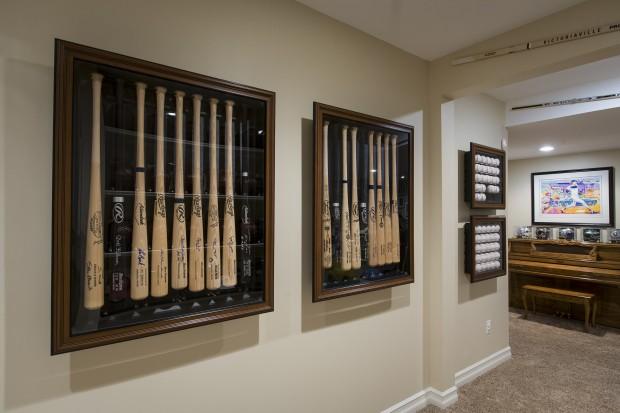 Coordinating Baseball Memorabilia Cases