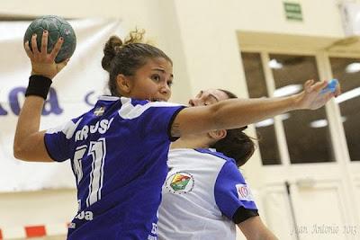 Adriana Cardoso de Castro (BRA) rescinde contrato con el Bera Bera | Mundo Handball