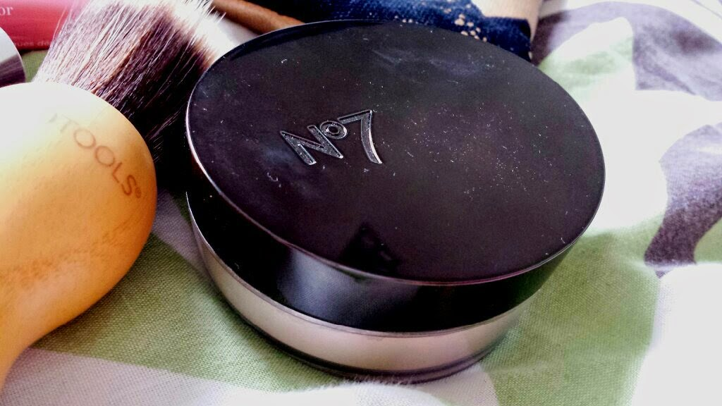 No7 Perfect Light Loose Powder