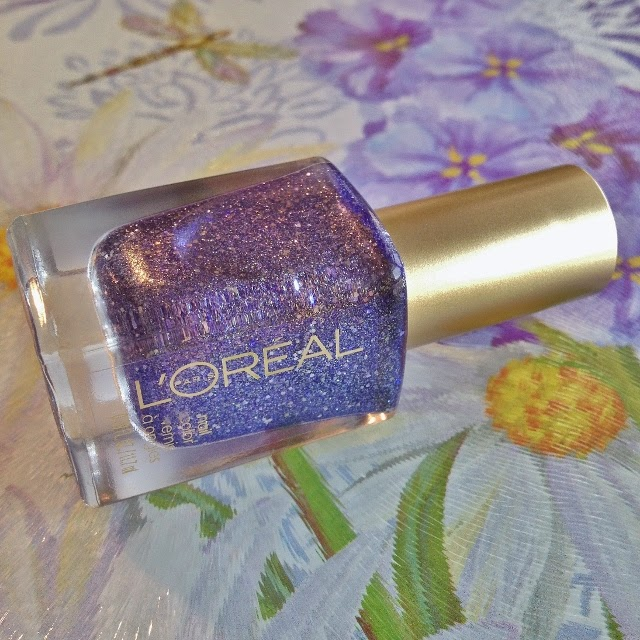 L'Oreal Color Riche nail polish in Too Dimensional #136