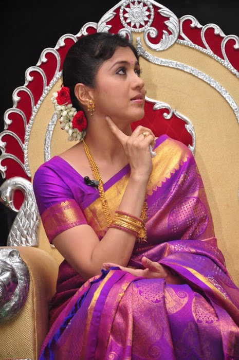 devayani new saree @ kodi mullai tv serial success meet hot photoshoot