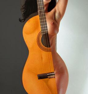 Ah la guitarra esa mujer en celo