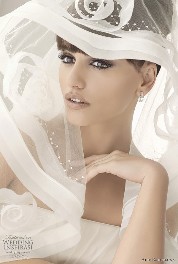 Gorgeous Traditional Style Of  Wedding Veil