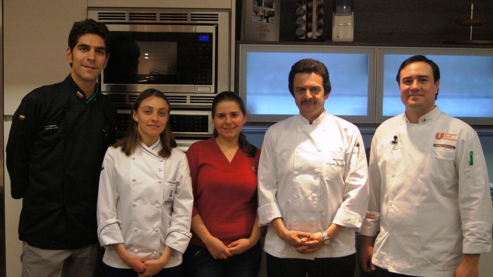 Mix news colombia el encuentro se realiz en la cocina for Cocina profesional en casa