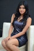 Hebah patel latest glam pics-thumbnail-16
