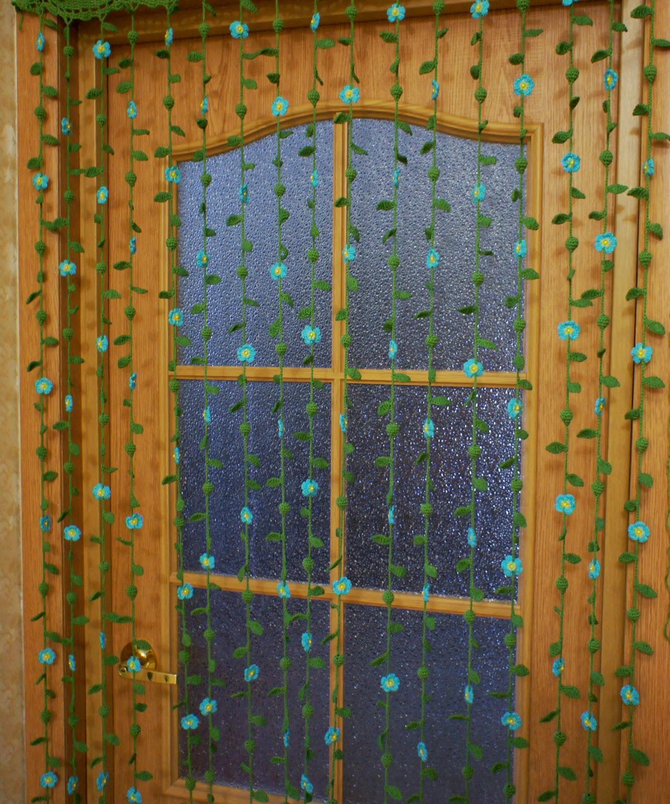 Из чего сделать занавеску на дверь