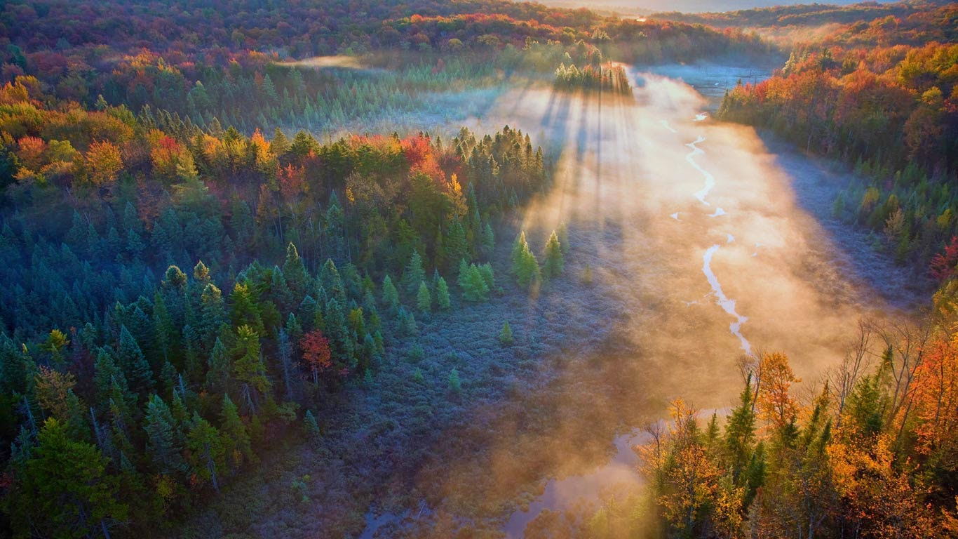 Beaver Meadow in Green Mountain National Forest, Vermont (© George Steinmetz/Corbis) 11