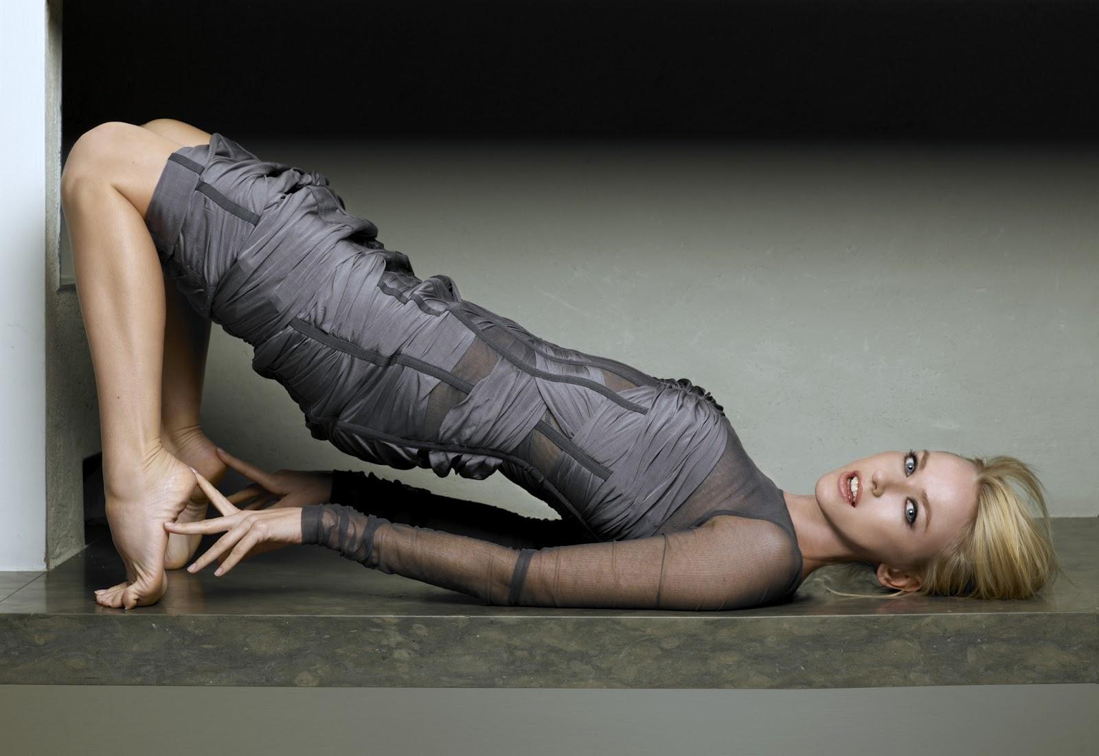 http://3.bp.blogspot.com/-bFg1KLfxRss/T_RQS-rgYCI/AAAAAAAACZ8/U7hIYPL3t18/s1600/Naomi-Watts-Feet-40326.jpg
