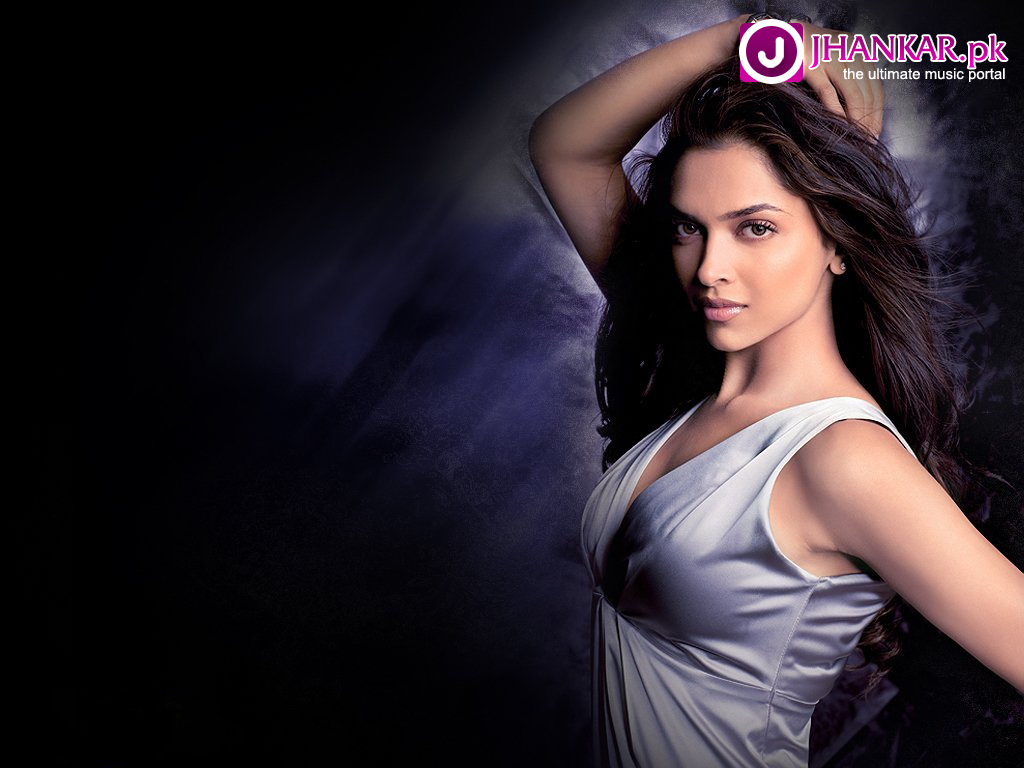 Download this Hot And Sexy Wallpapers Deepika Padukone Best Widescreen picture