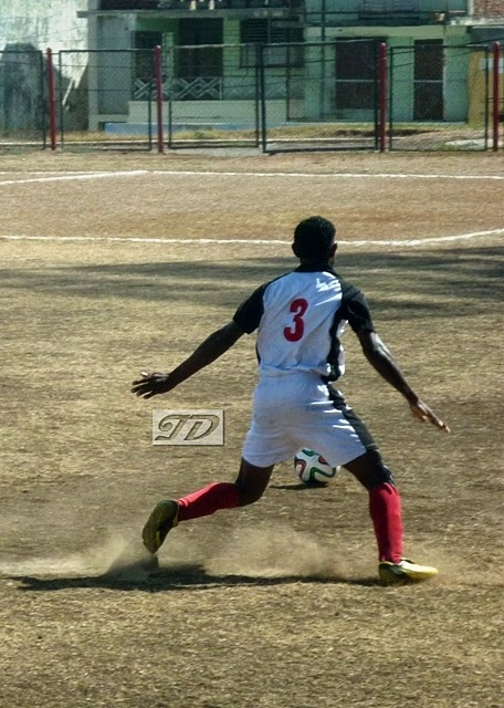 Santiago de Cuba goleó a los campeones