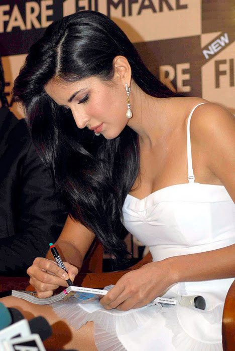 Katrina Kaif Latest News, Katrina Kaif Pictures, Katrina Kaif Hot