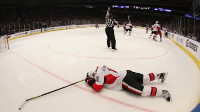 Daniel Alfredsson hurt