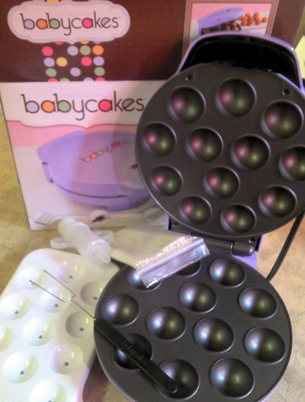 diy for mommies product review babycakes cake pop maker. Black Bedroom Furniture Sets. Home Design Ideas
