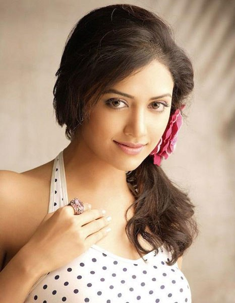 mamta mohandas latest photos