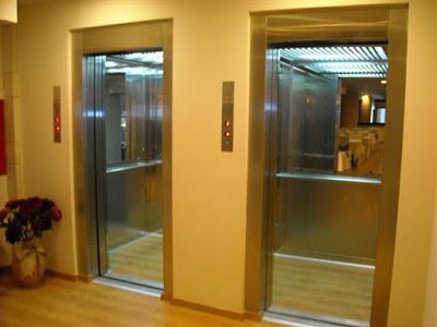 Γιατί οι ανελκυστήρες έχουν καθρέφτες;