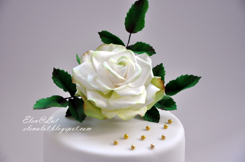 Торт с живыми розами как сделать