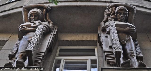 Esculturas-Edificios-Praga