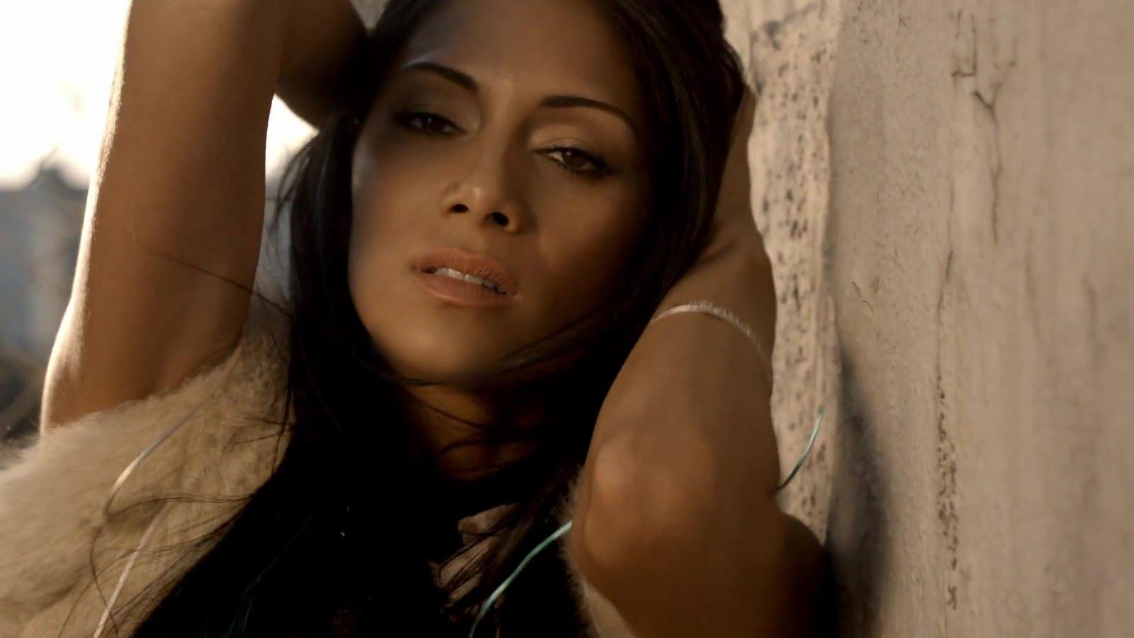 http://3.bp.blogspot.com/-bGZz16croCs/TcNHYevmWWI/AAAAAAAAAv8/bSEqLDVOFxs/s1600/Nicole+Scherzinger+-+Right+There+005.jpg