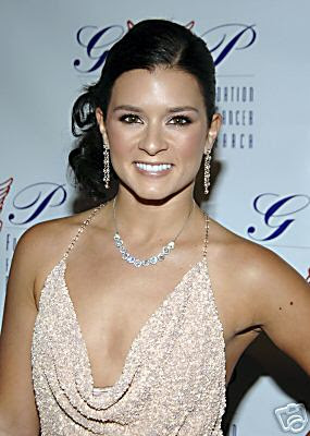 Danica Patrick Hot Photos & Wiki !