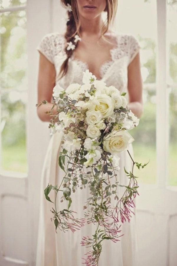 si el ramo en cascada es corto y no cae en exceso es tambin una muy buena opcin para ayudar a estilizar la silueta de la novia