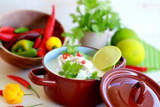 Sopa de pollastre Thai