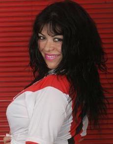 Teresa Espinoza con la camiseta peruana
