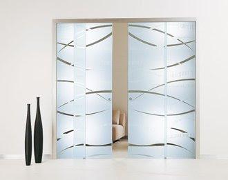 Decoraciones y mas modernas puertas correderas de cristal for Casas con puertas de vidrio