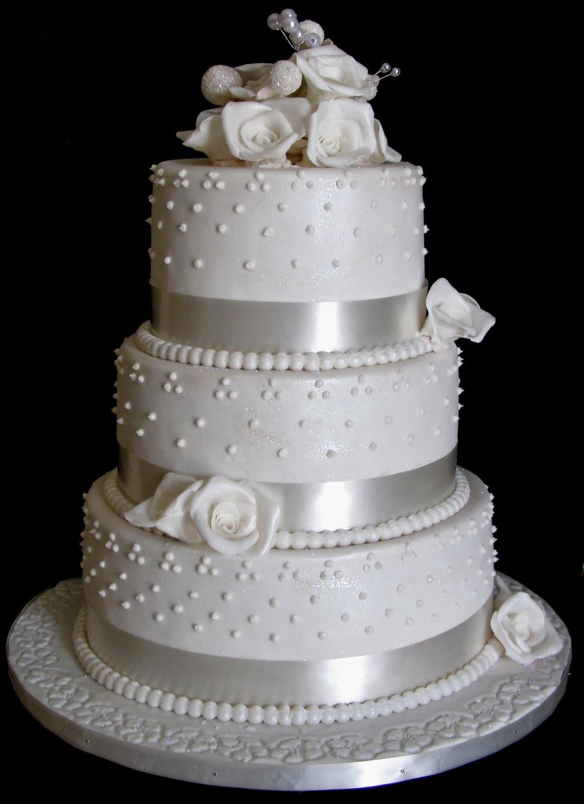 Sugarcraft by Soni: Three Layer Wedding Cake : White Roses