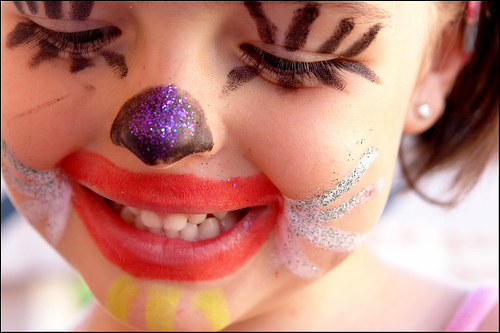 http://3.bp.blogspot.com/-bHYf_XtjFfM/TV6lCrxGXZI/AAAAAAAABlk/hX92laVtZkk/s1600/crianca-sorrindo03.jpg
