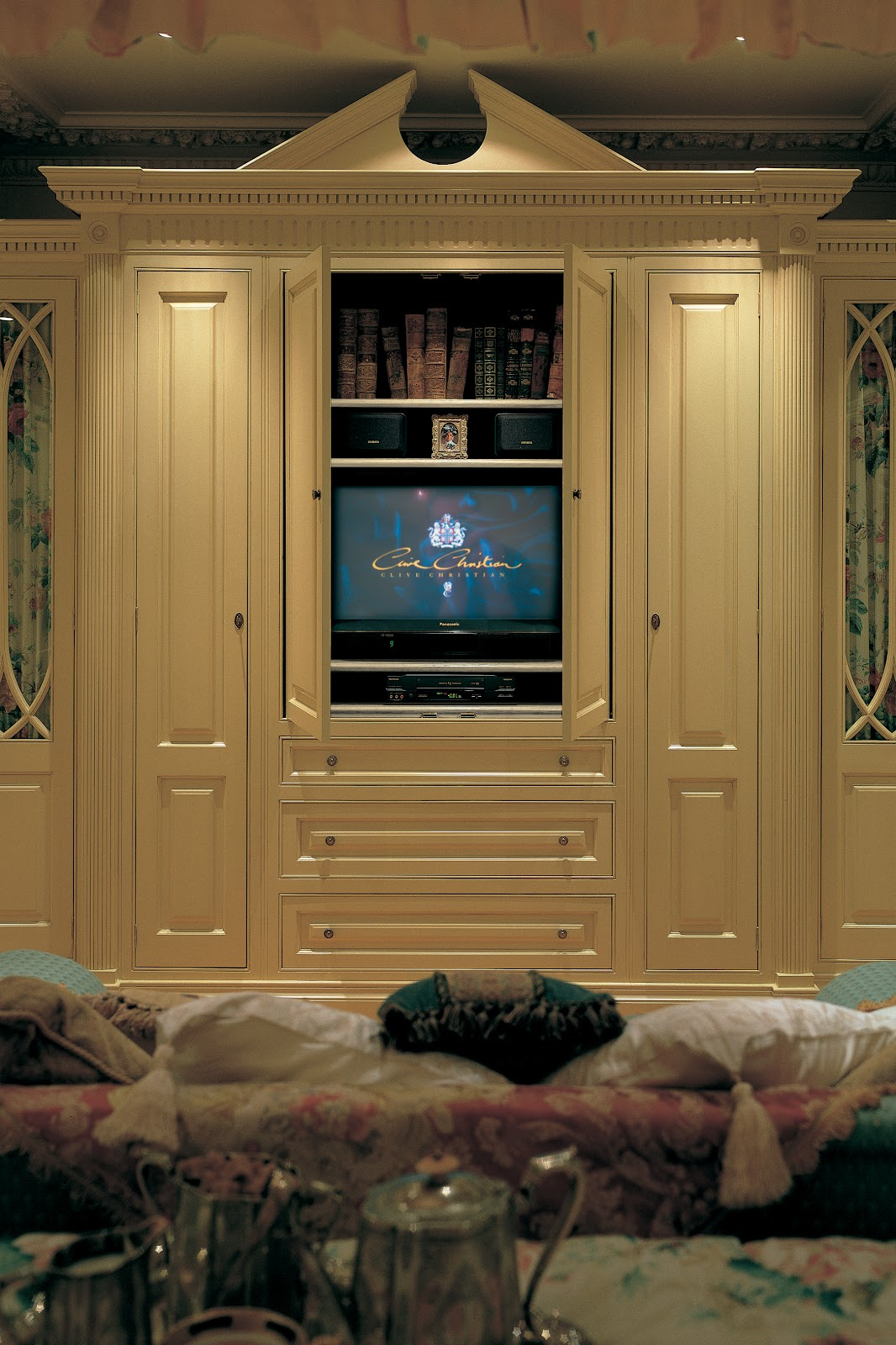 TRADITION INTERIORS OF NOTTINGHAM Clive Christian Luxury Victorian - Clive christian bedroom furniture