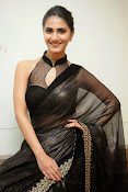 Vani Kapoor hot photos Vaani Kapoor stills-thumbnail-11