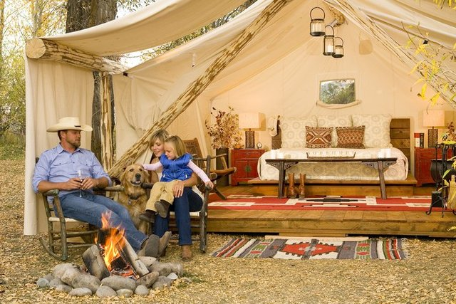 Glamping forget roughing it camp in style luxury tents for Glamping ideas diy