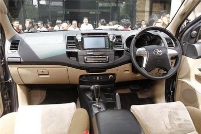 Interior Toyota New Fortuner Diesel 4x4