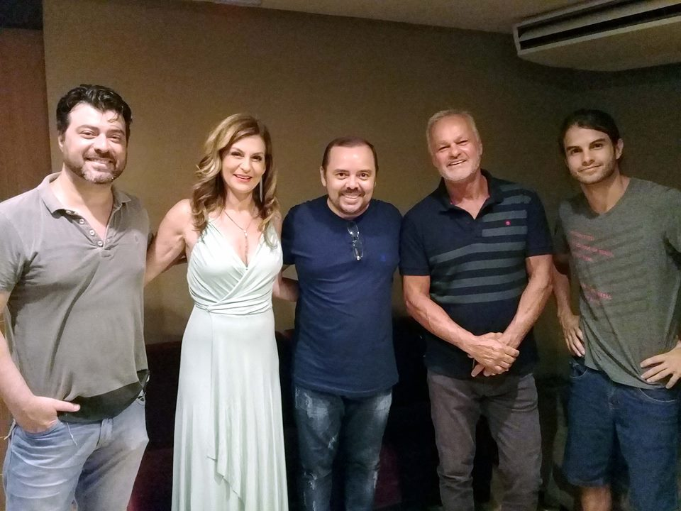 Com os atores Naura Schneider, Kadu Moliterno, Carlos Simões e Daniel Blanco