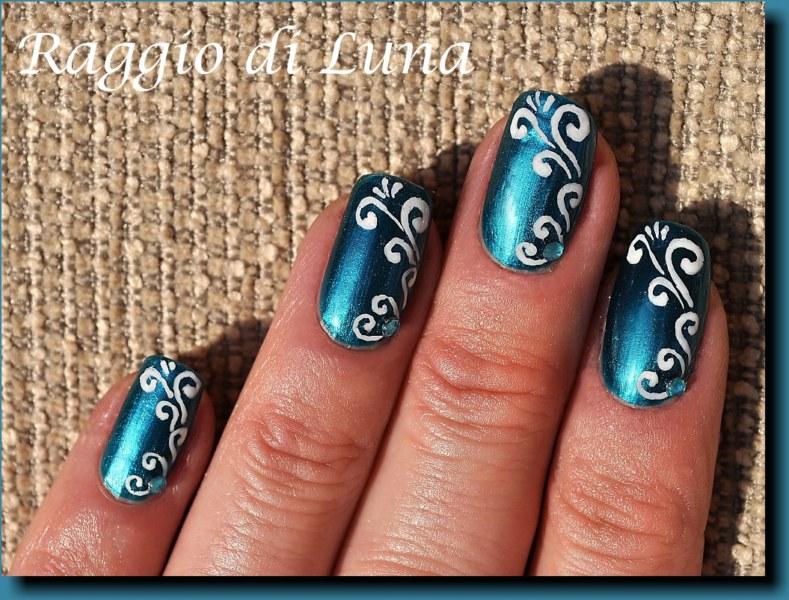Arabesque swirl white design on Frosted Emerald - Raggio Di Luna Nails: Arabesque Swirl White Design On Frosted Emerald