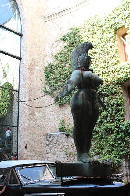 La gran Esther-Teatro Museo Salvador Dalí