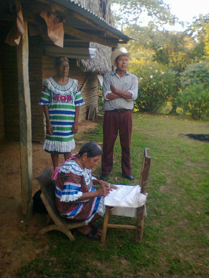 Doña Luisa, bordadora
