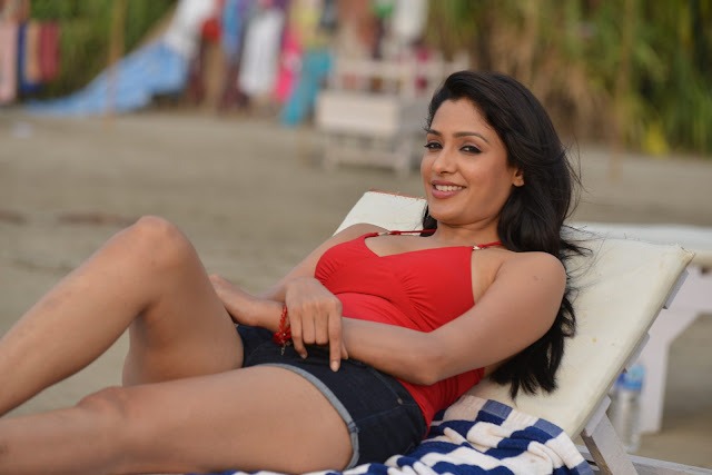 Kesha Khambati Hot Photos From Best Actors Movie