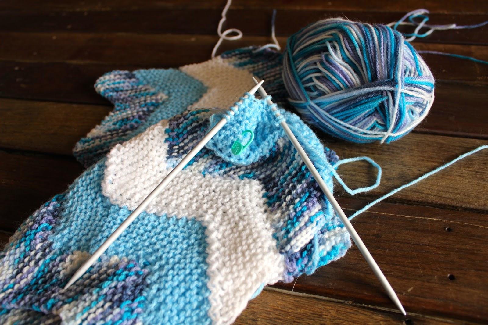 Knitting Blanket Stitch Seam : Keeping Mama Crafting: Knitting the Ten Stitch Zig-Zag Blanket