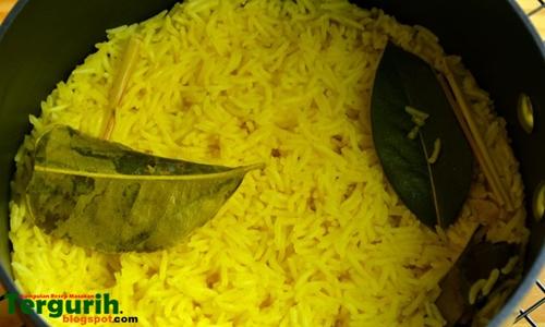 Resep dan Cara Membuat Nasi Kuning Rice Cooker yang enak dan gurih dengan cara mudah