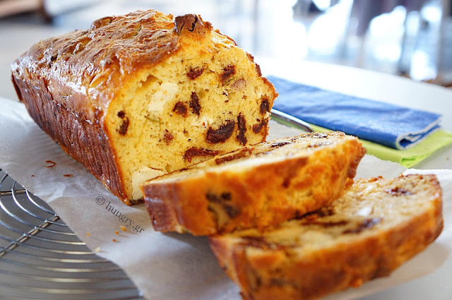 Feta and Sundried Tomato Loaf