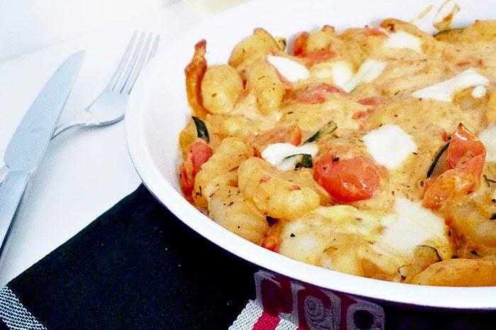 Gnocchi mit Paprikacreme und Käse