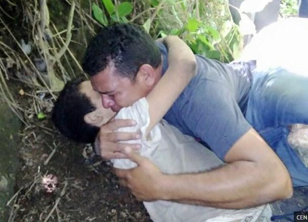 pelukan terakhir dari ayahnya