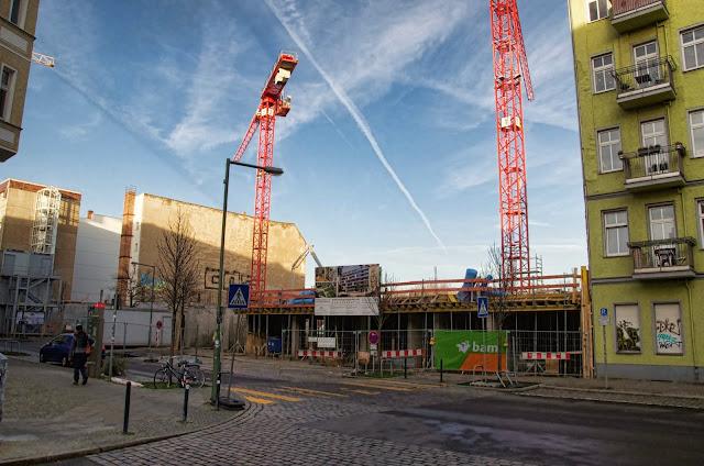 Baustelle Polygongarden, Eigentumswohnungen, Gewerbeeinheiten, Pettenkoferstraße 12-15, 10247 Berlin,  07.01.2014