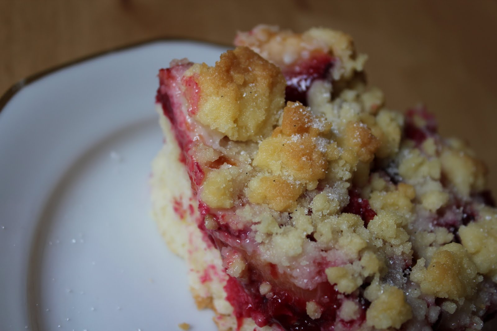 plum crumble cake.